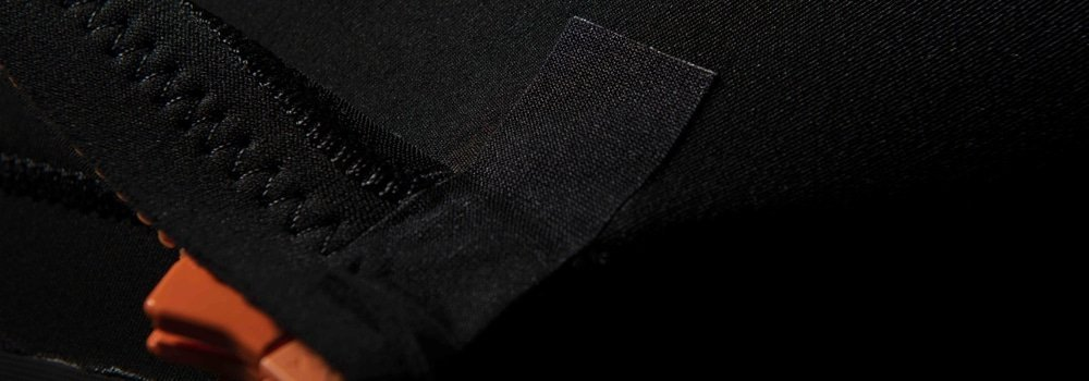 SRFACE wetsuit with reinforcement patches on zip end
