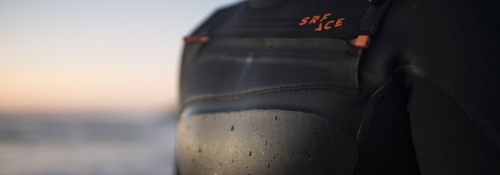 SRFACE wetsuit with water-repellent smoothskin chest panel zip and logo